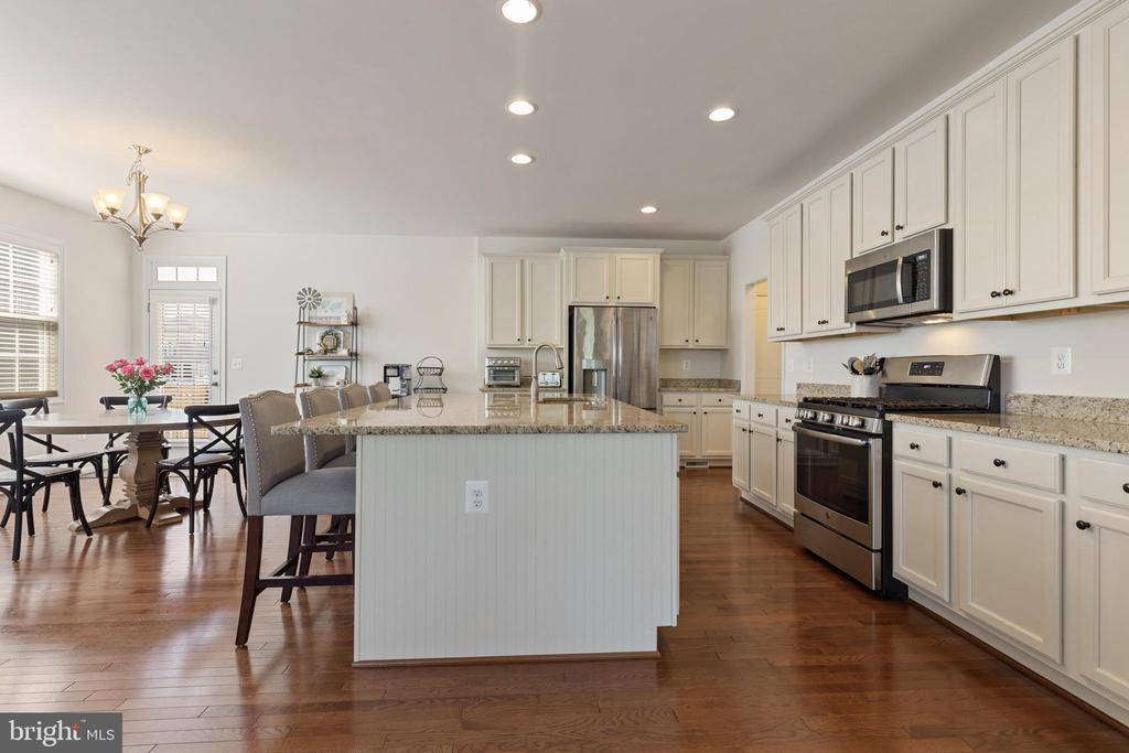 Kitchen Granite Countertops - 450 EMBREY MILL RD, STAFFORD