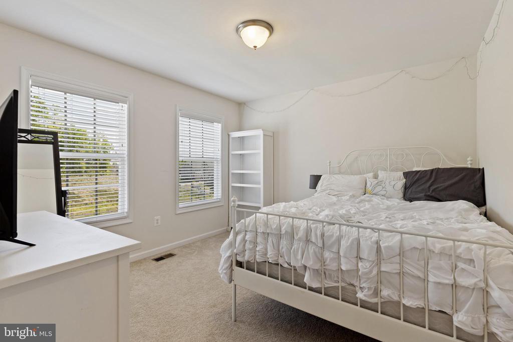 2nd Bedroom has Walk-in Closet - 450 EMBREY MILL RD, STAFFORD