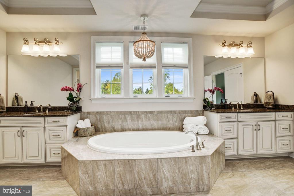 Spa-like Master Bath & Separate Vanities - 13029 HIGHGROVE RD, HIGHLAND