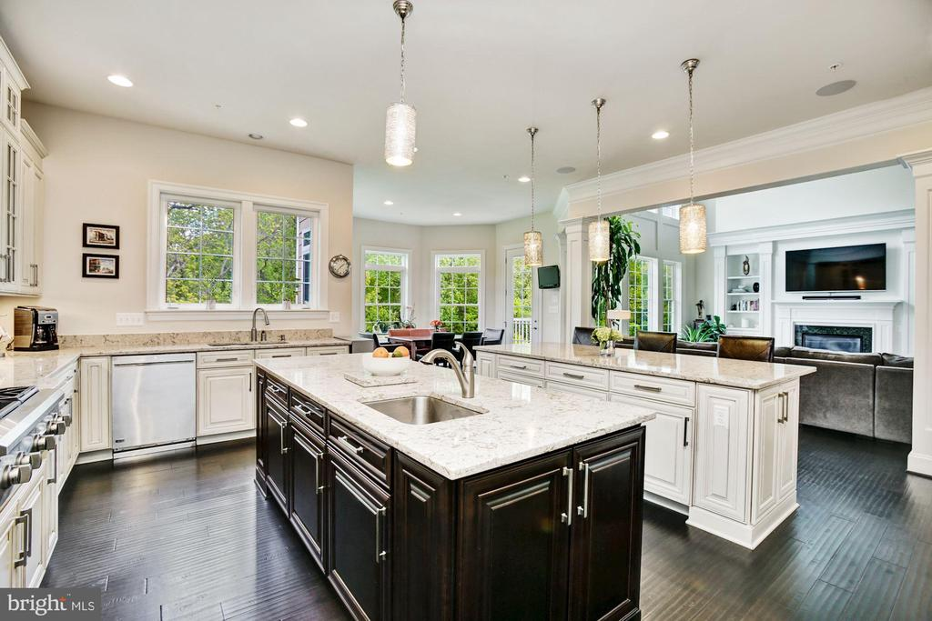 Two Islands, Contrasted and Prep Sink - 13029 HIGHGROVE RD, HIGHLAND