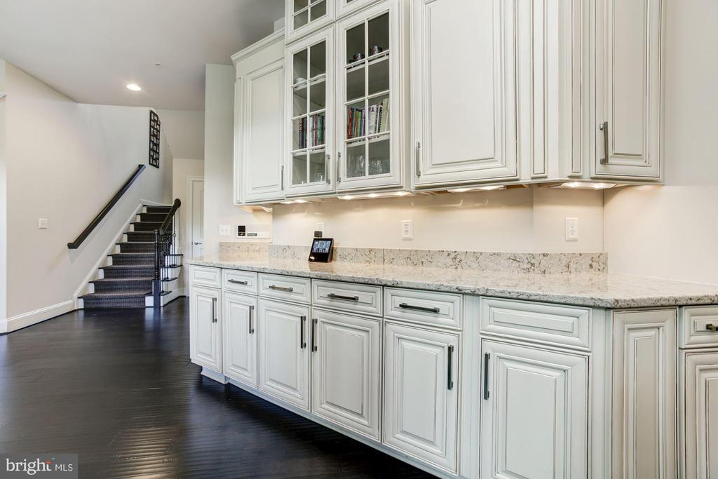 Added / Upgraded Supplimental Cabinetry - 13029 HIGHGROVE RD, HIGHLAND