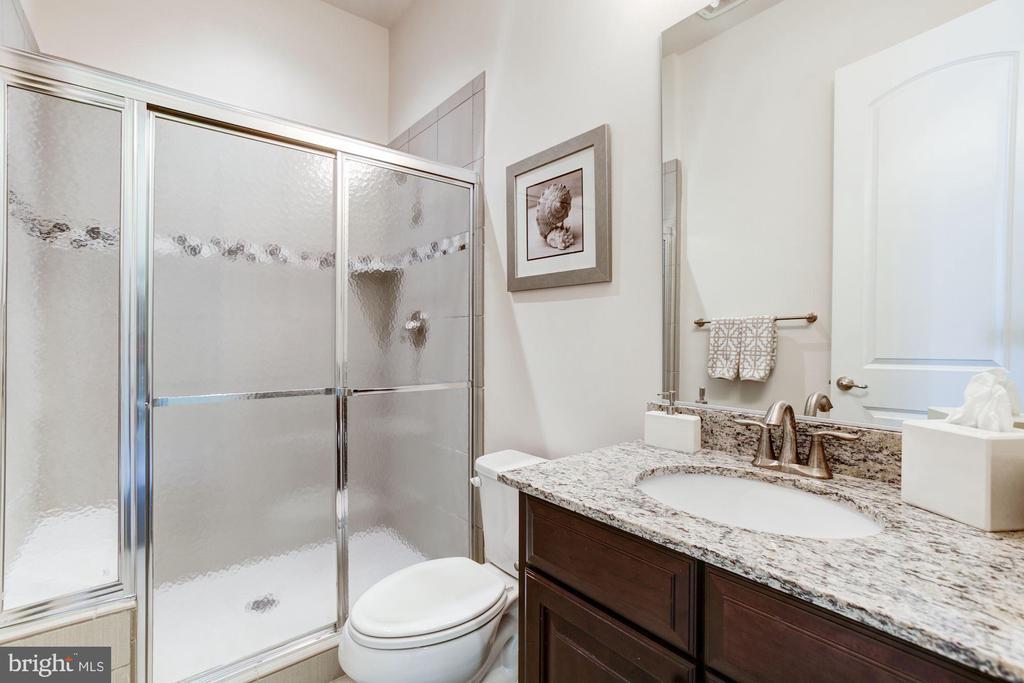 Attached Private Bath - 13029 HIGHGROVE RD, HIGHLAND