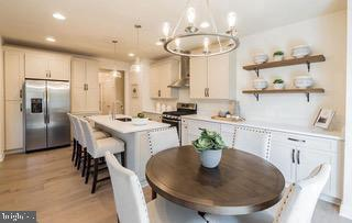 Kitchen with Dining Area - 18537 TRAXELL WAY, GAITHERSBURG