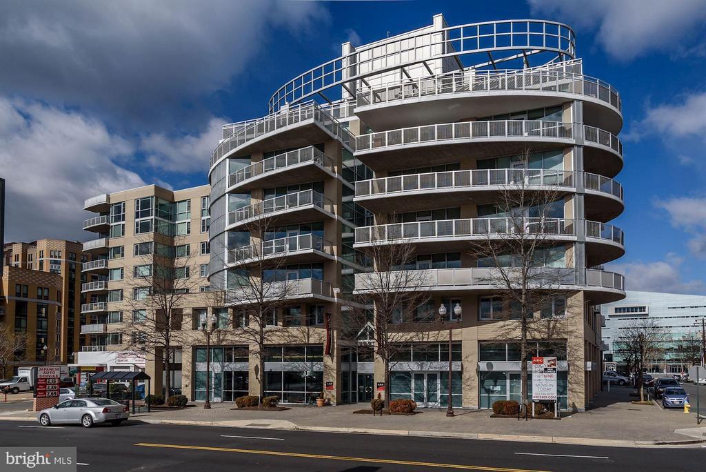 3409 Wilson Blvd, Unlike Any Arlington Building - 3409 WILSON BLVD #504, ARLINGTON