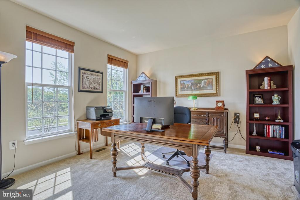 Office/Living Room - 17663 HAMILTON HEIGHTS CT, HAMILTON