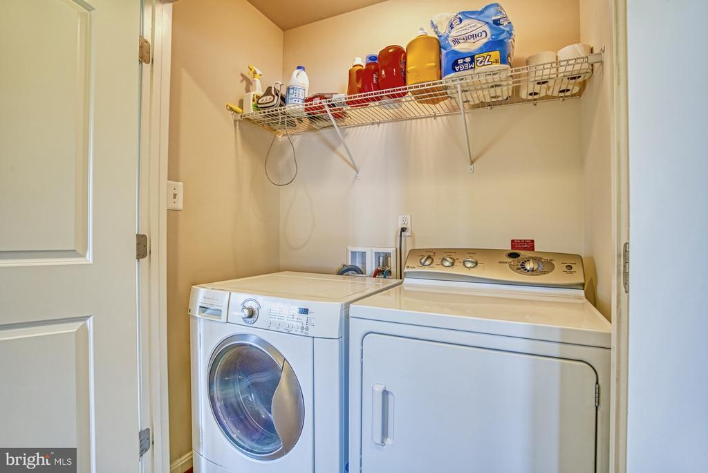 Upper Level Laundry - 17663 HAMILTON HEIGHTS CT, HAMILTON