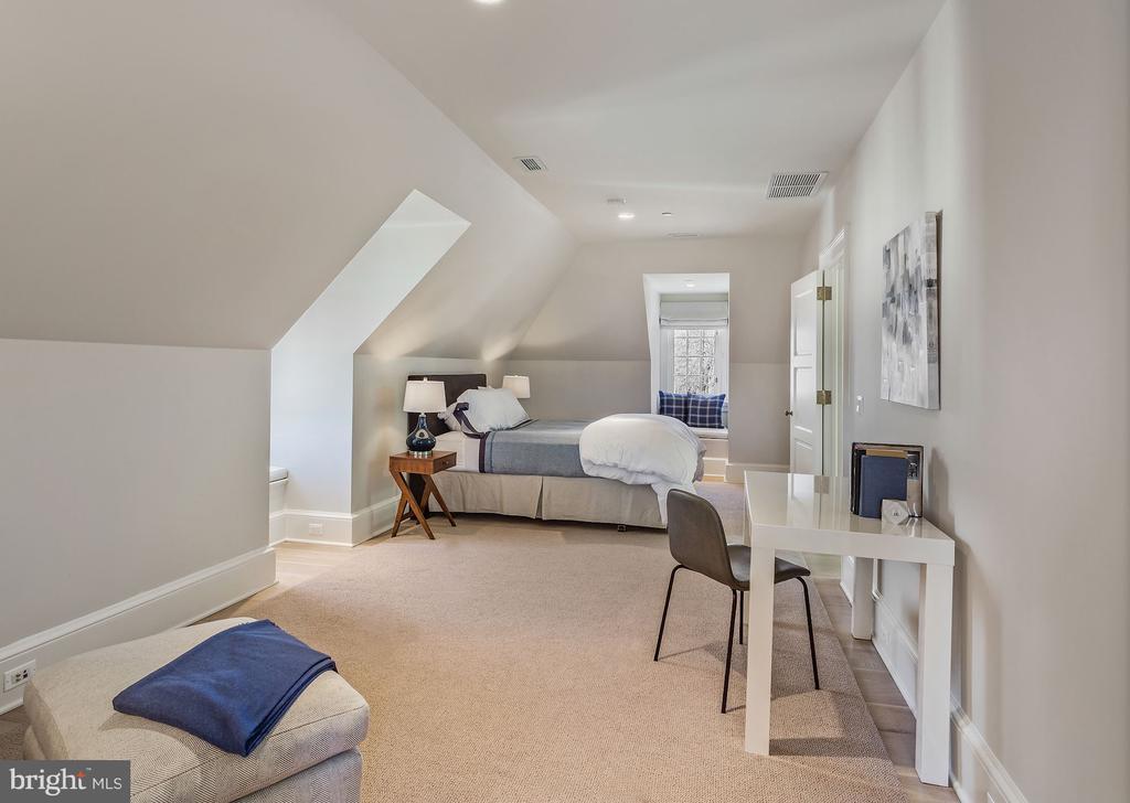 Fifth Bedroom - 2163 DUNMORE LN NW, WASHINGTON