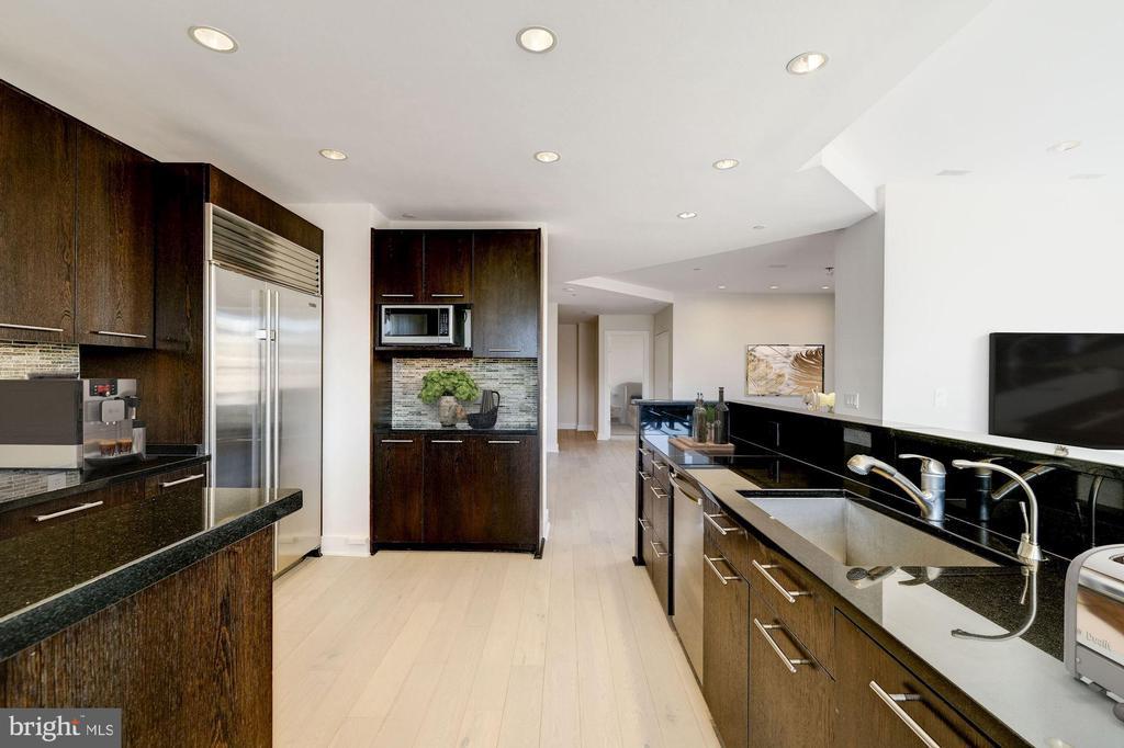 Eat-In Kitchen - 1414 22ND ST NW #PH 62, WASHINGTON