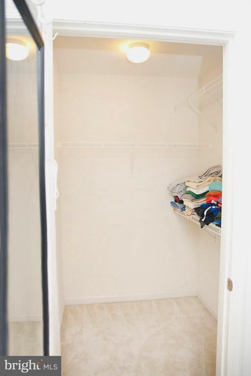 Master Bedroom Features His & Her Walk-in Closets - 25928 KIMBERLY ROSE DR, CHANTILLY