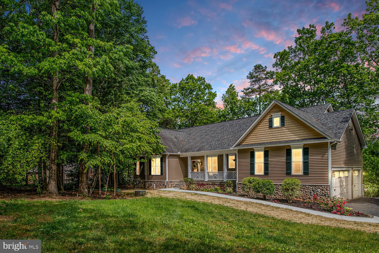 Single Family Homes por un Venta en Bumpass, Virginia 23024 Estados Unidos