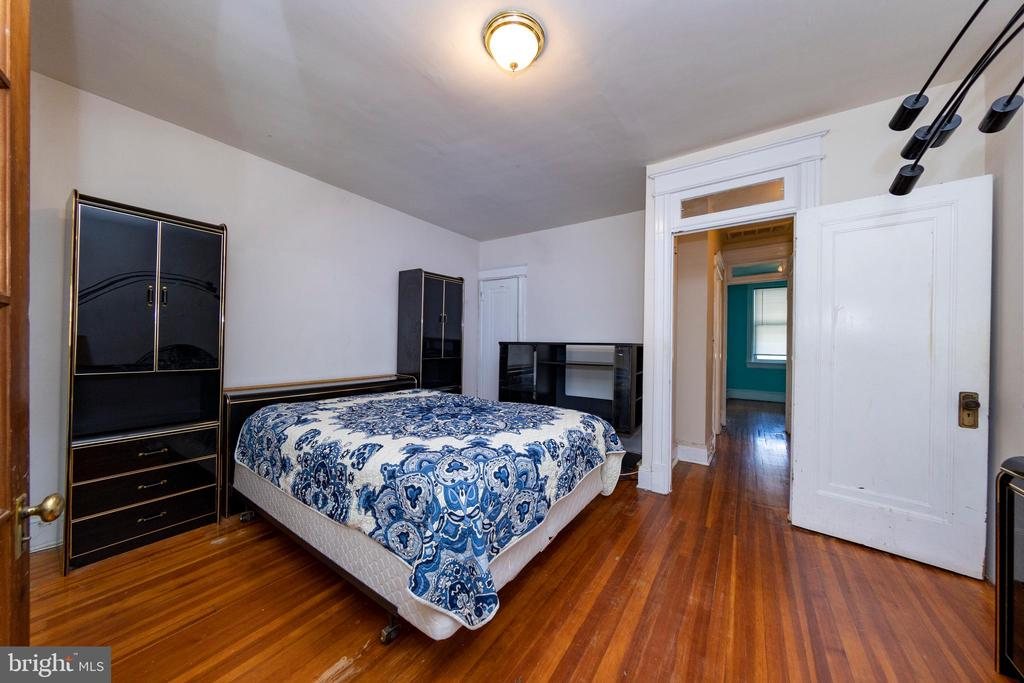 Bedroom 1 with view of hallway - 2316 2ND ST NE, WASHINGTON