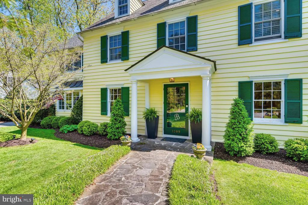 Covered entry - 1209 BERWICK RD, TOWSON