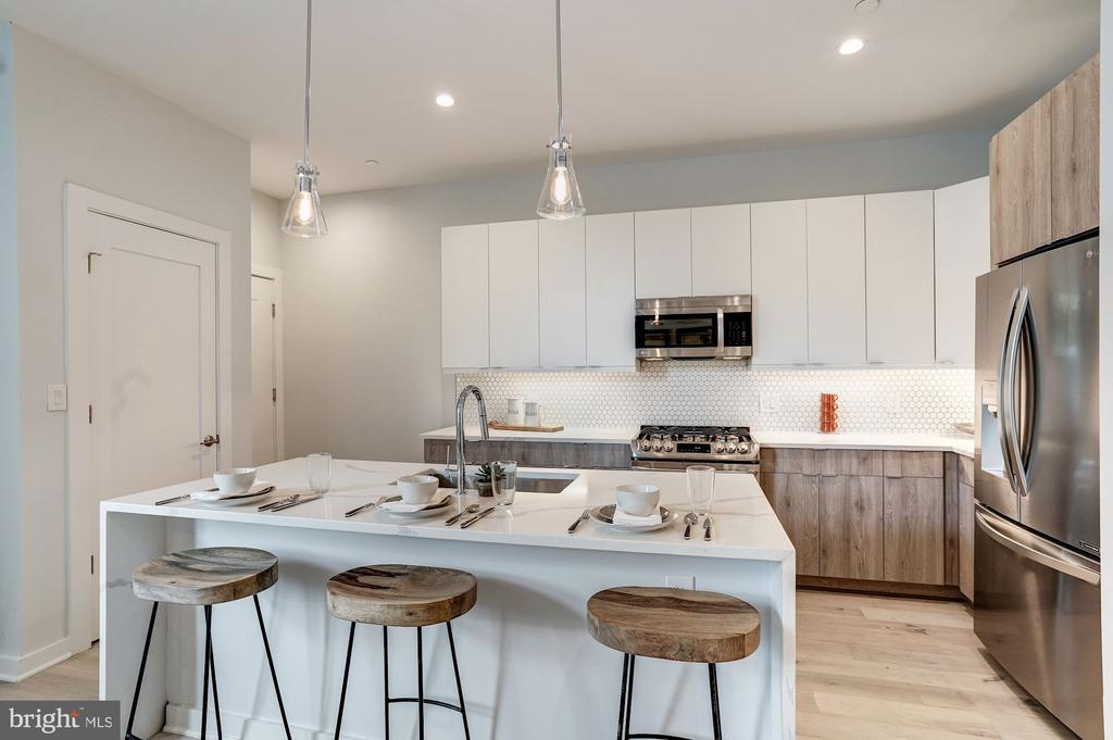 Stainless steel appliances - 1507 RHODE ISLAND AVE NE #7, WASHINGTON