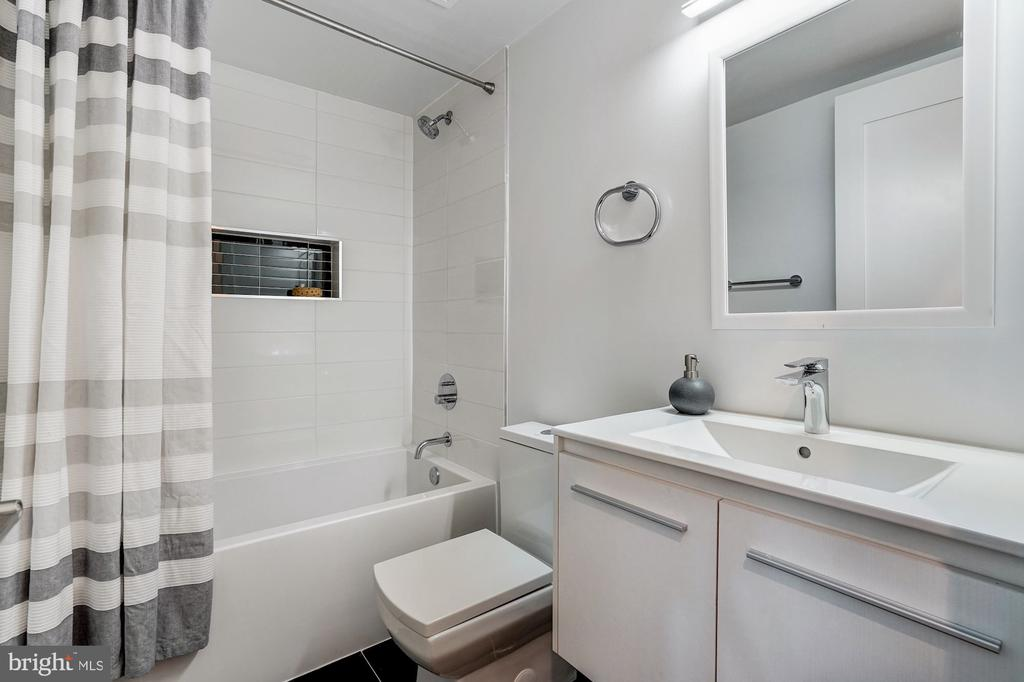 Second bathroom - 1507 RHODE ISLAND AVE NE #7, WASHINGTON
