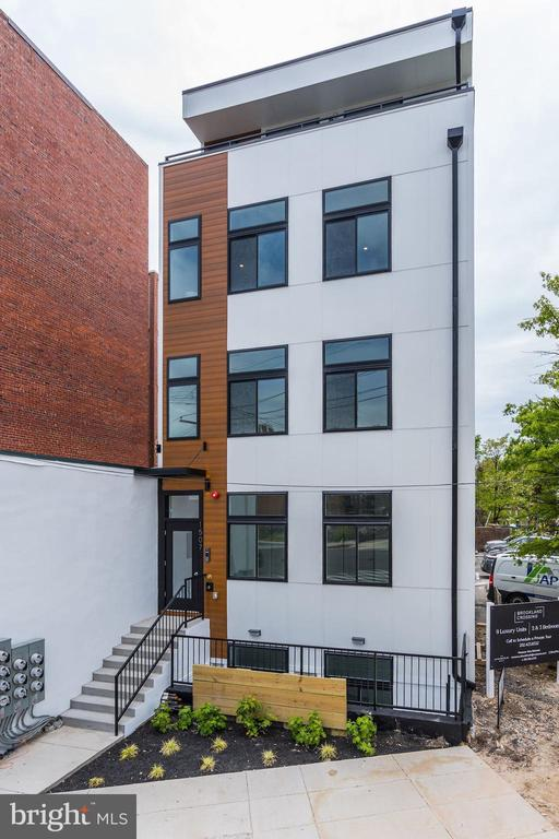 Welcome to Brookland Crossing! - 1507 RHODE ISLAND AVE NE #7, WASHINGTON