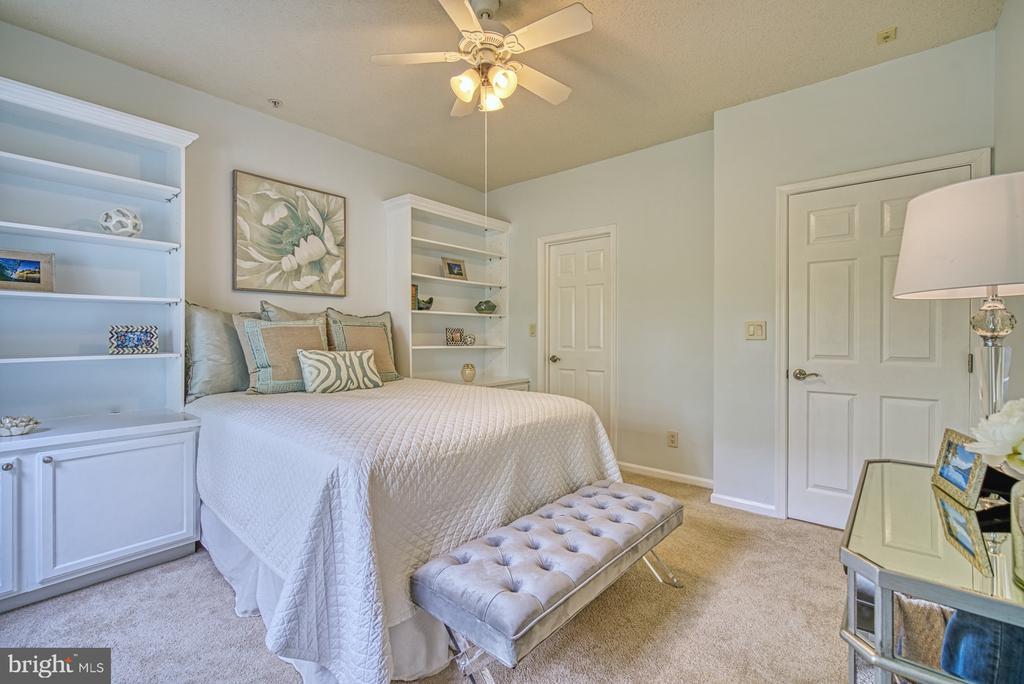 Master Bedroom - 1720 LAKE SHORE CREST DR #34, RESTON