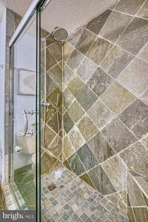 Shower - 1720 LAKE SHORE CREST DR #34, RESTON