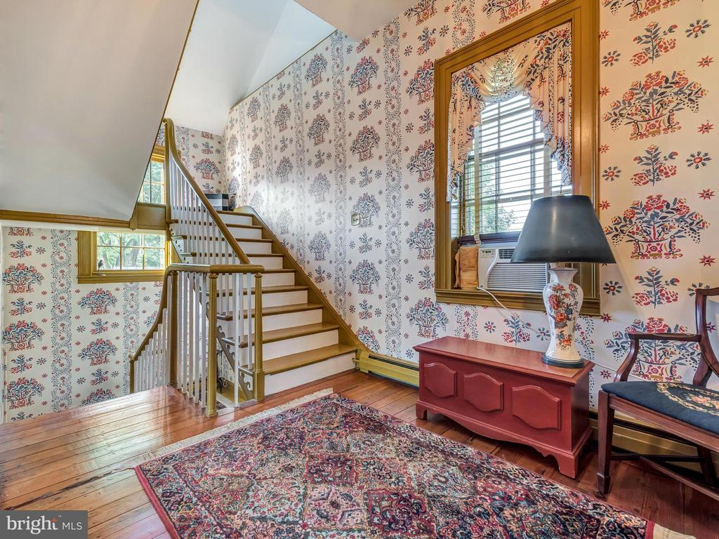 Upper Level Hall & restored gooseneck staircase - 4105 WESTON DR, KNOXVILLE