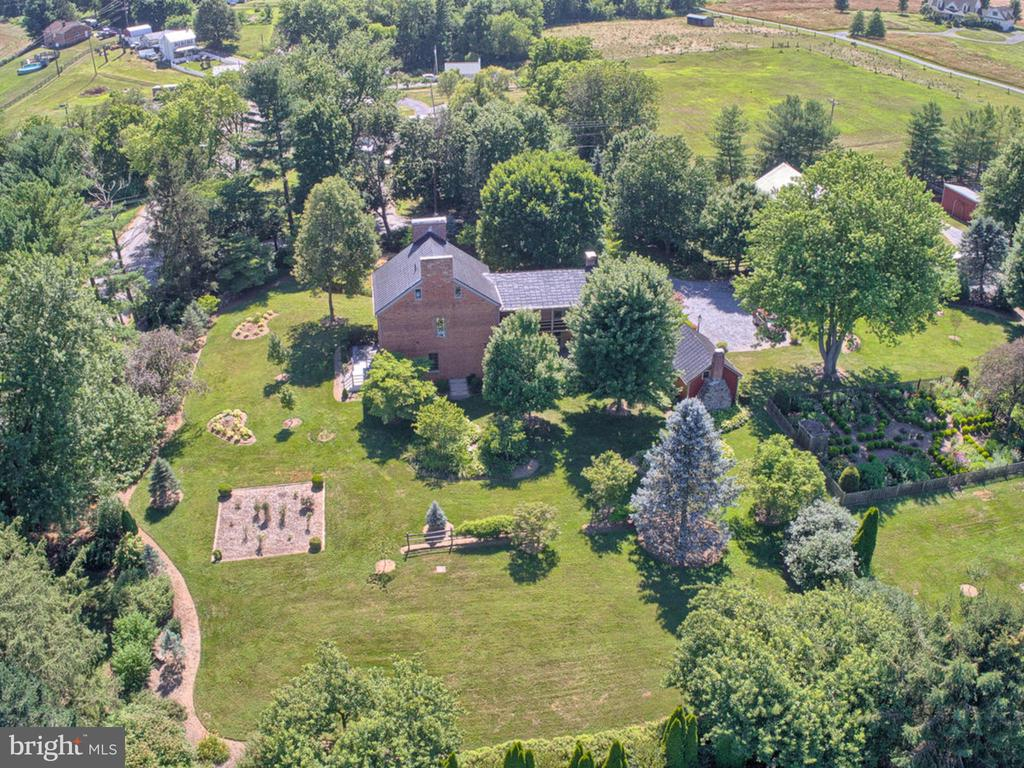 Drone Photos overlooking expansive property - 4105 WESTON DR, KNOXVILLE