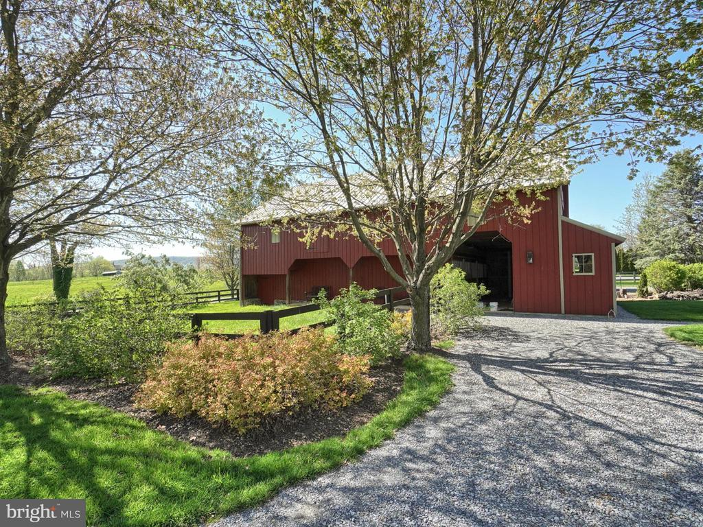 Tractor storage and restored horse barn - 4105 WESTON DR, KNOXVILLE