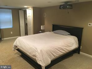 4th bedroom on lower level with full bath - 824 N WAKEFIELD ST, ARLINGTON
