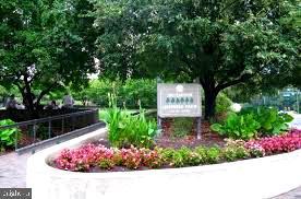 Gateway Park - 1881 N NASH ST #1011, ARLINGTON
