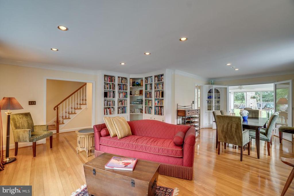 Living room: extensive built ins, open dining room - 5824 BRADLEY BLVD, BETHESDA