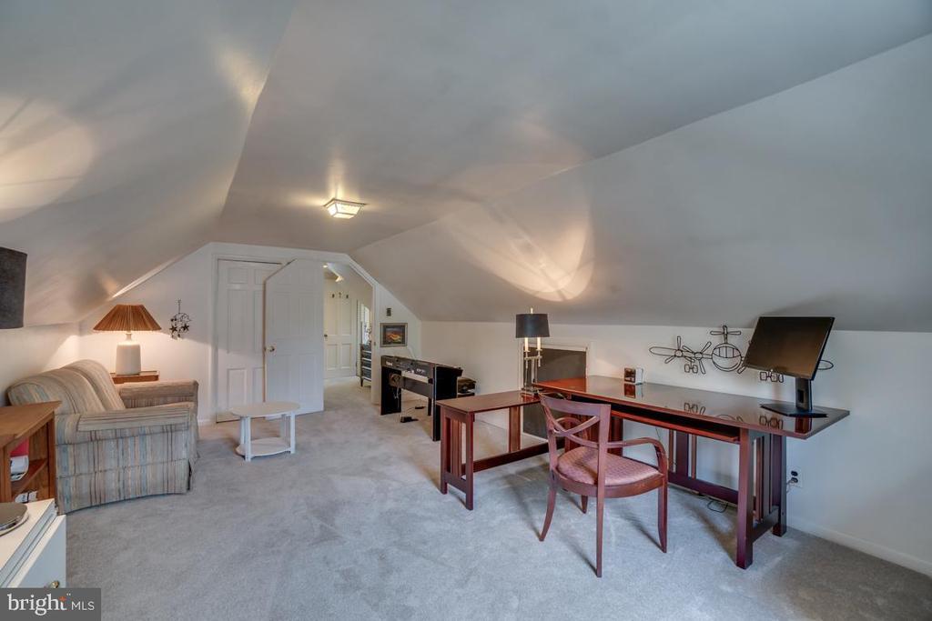 Upper level BR4: extensive closet space - 5824 BRADLEY BLVD, BETHESDA