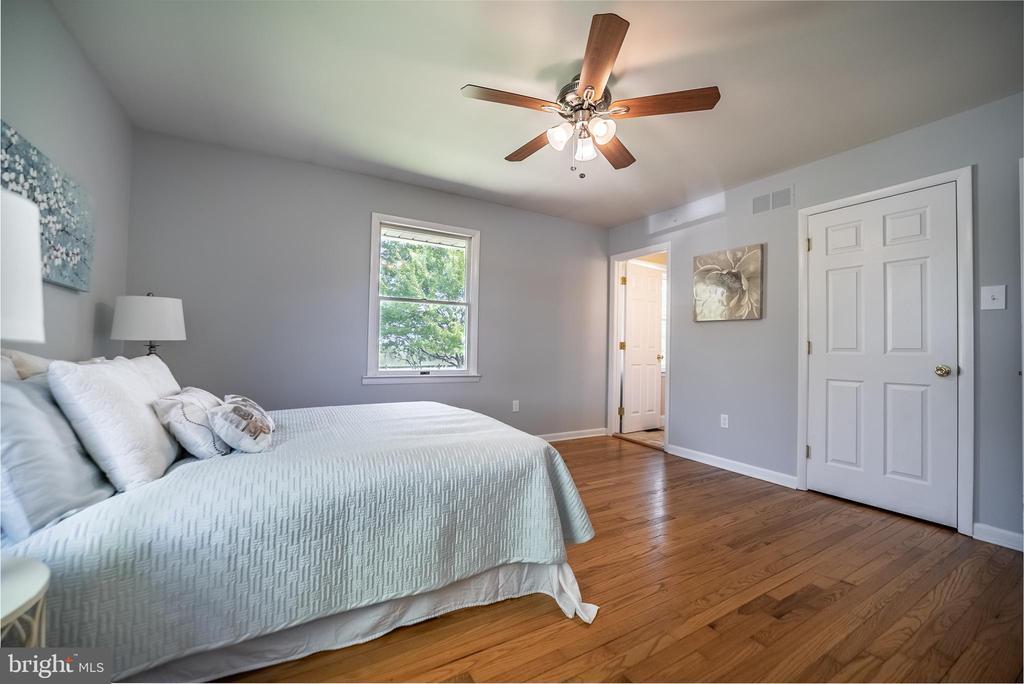 Master Bedroom with En-Suite & Walk-In Closet - 3506 W WATERSVILLE RD, MOUNT AIRY