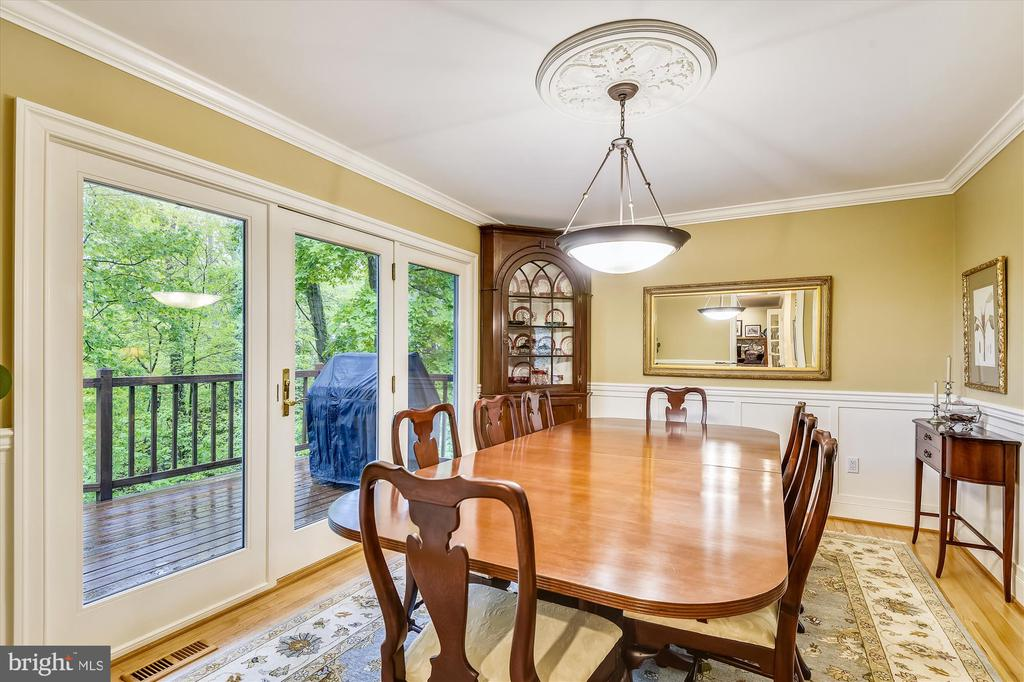 Formal Dining Room, accessing waterside deck - 236 MOUNTAIN LAUREL LN, ANNAPOLIS