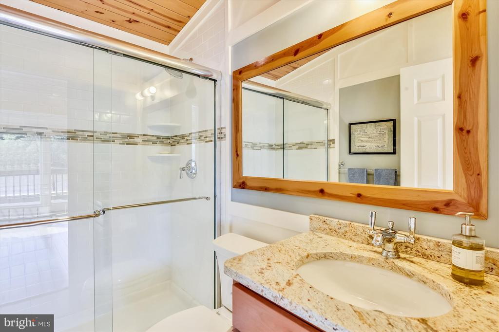 Au Pair full bath - 236 MOUNTAIN LAUREL LN, ANNAPOLIS