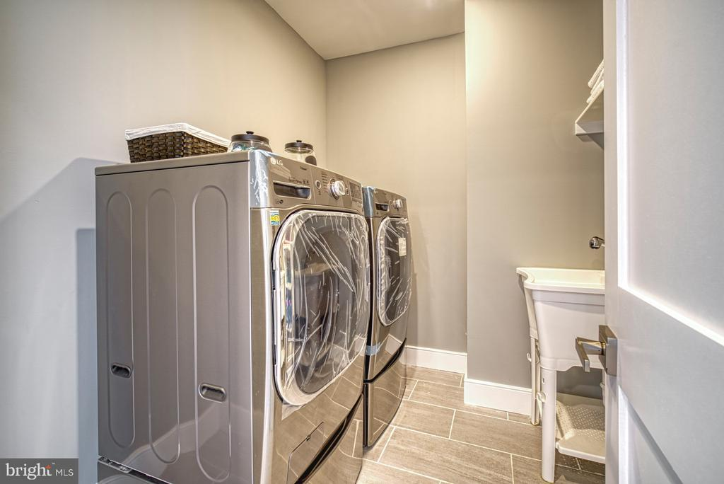 Laundry Room - New, Never Used Washer & Dryer - 1349 GORDON LN, MCLEAN