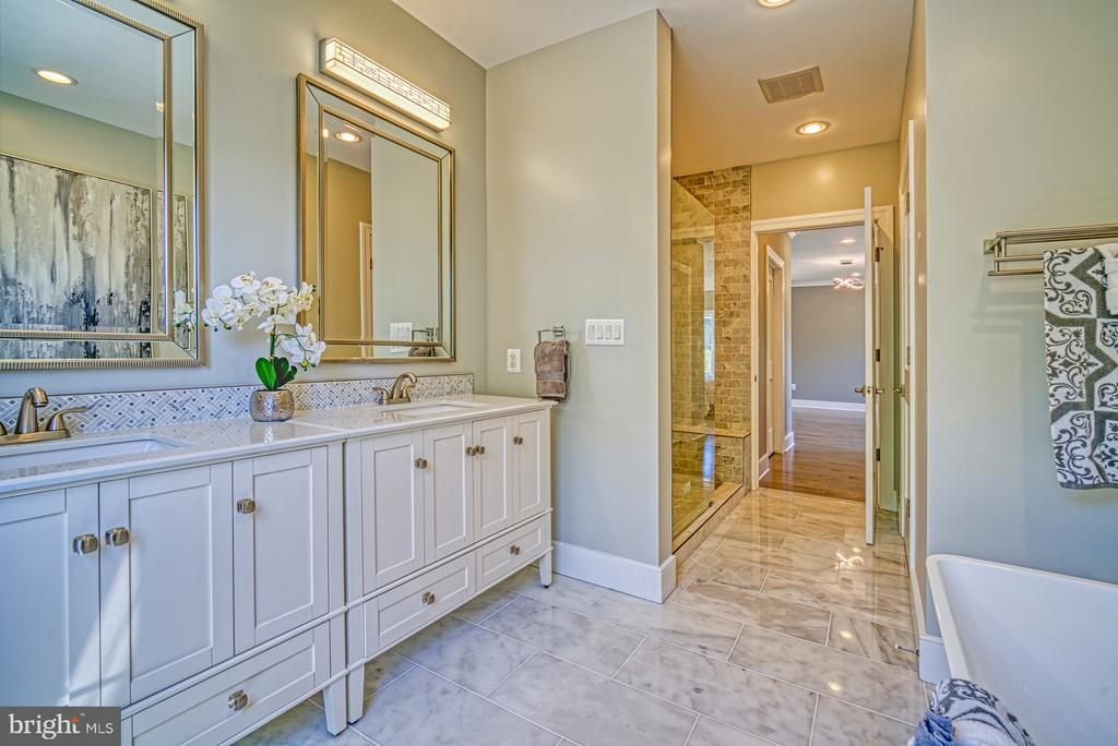 Exquisite Master Bath - Marble Floors & Countertop - 1349 GORDON LN, MCLEAN