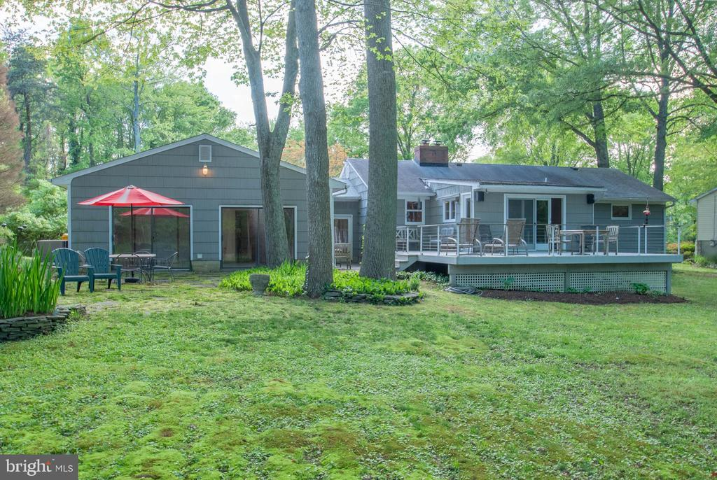 .40 acre lot with attractive back yard - 449 POPLAR LN, ANNAPOLIS