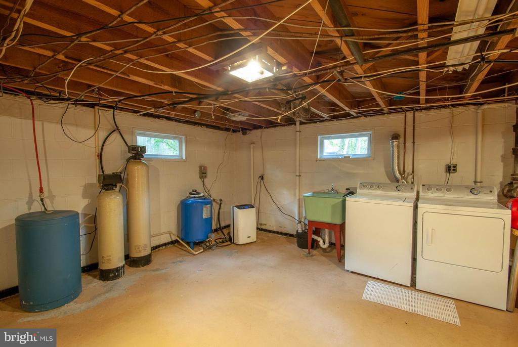 well conditioning equipment and laundry in LL - 449 POPLAR LN, ANNAPOLIS
