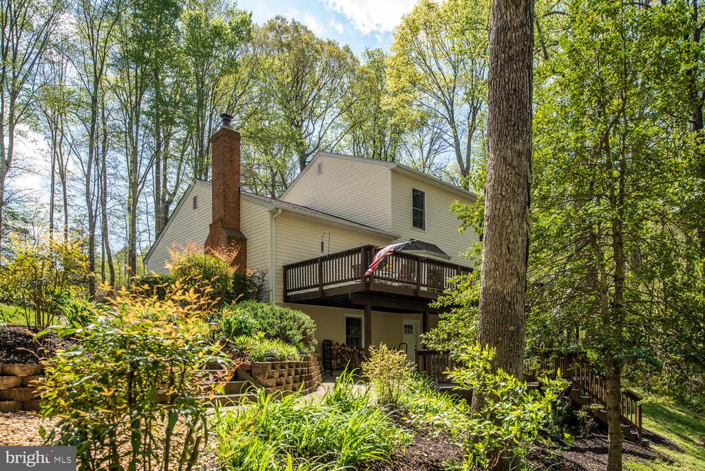 Terraced landscaping. - 325 SANDY RIDGE RD, FREDERICKSBURG