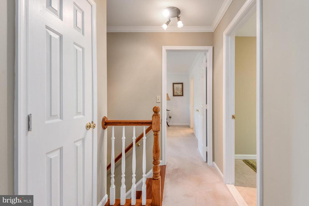 Upstairs landing has linen closet. - 325 SANDY RIDGE RD, FREDERICKSBURG