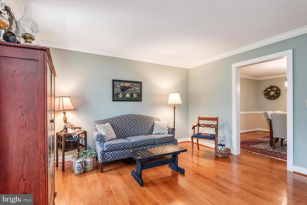 Gleaming wood floors! - 325 SANDY RIDGE RD, FREDERICKSBURG