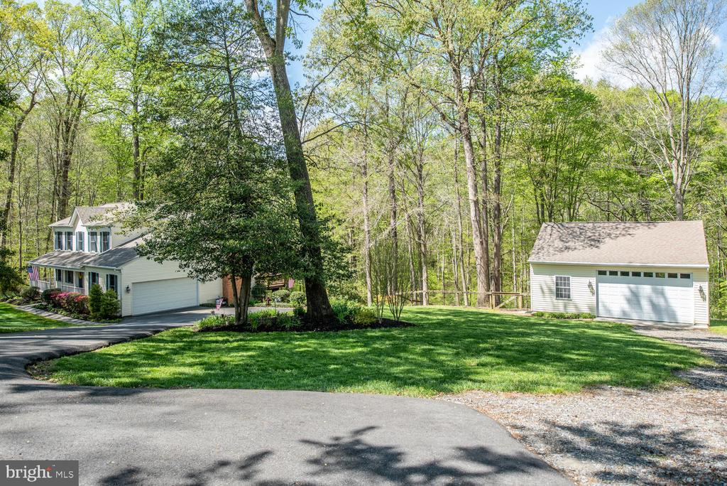 Beautiful park like setting.... - 325 SANDY RIDGE RD, FREDERICKSBURG