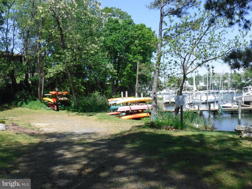 Parkwood Marina - 1127 SHORT ST, ANNAPOLIS