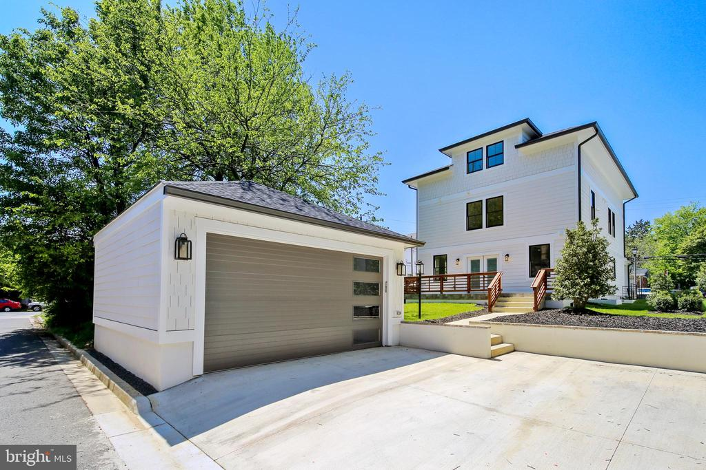 Two car garage and additional driveway parking - 705 N BARTON ST, ARLINGTON