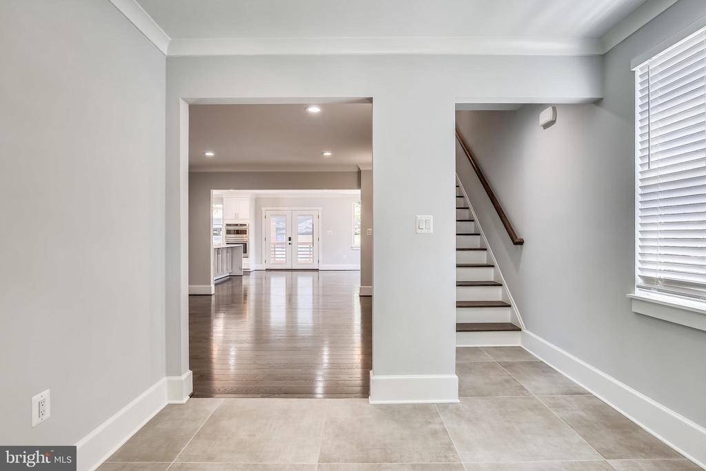 Front to rear sight line. Stunning details! - 705 N BARTON ST, ARLINGTON