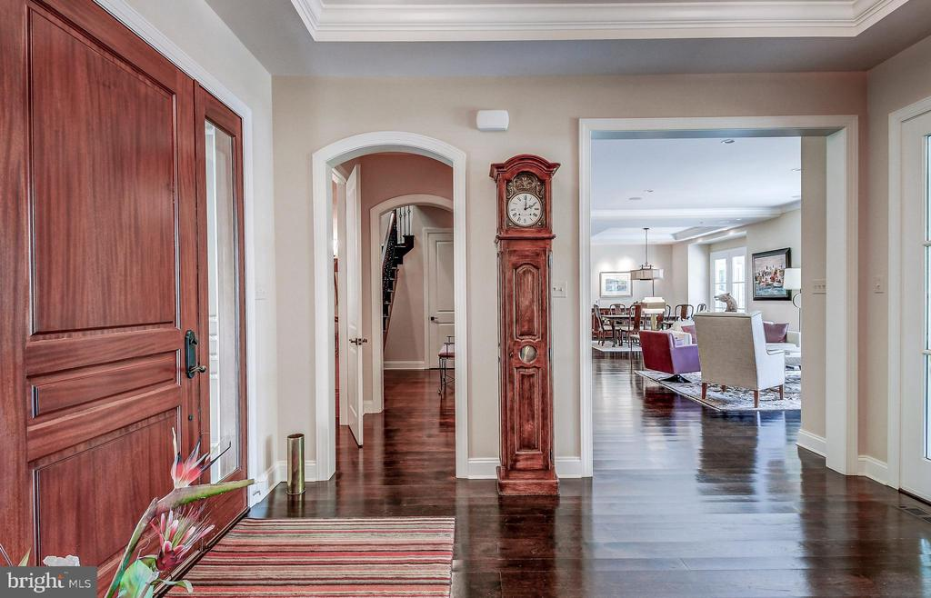 Stunning hardwoods - 28 CAVESWOOD LN, OWINGS MILLS