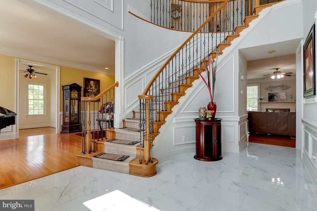 Foyer - 20120 BLACK DIAMOND PL, ASHBURN