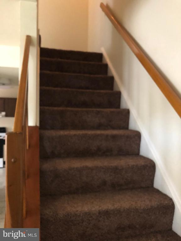 Stairway to Upper Level Bedrooms - 18732 GINGER CT, GERMANTOWN