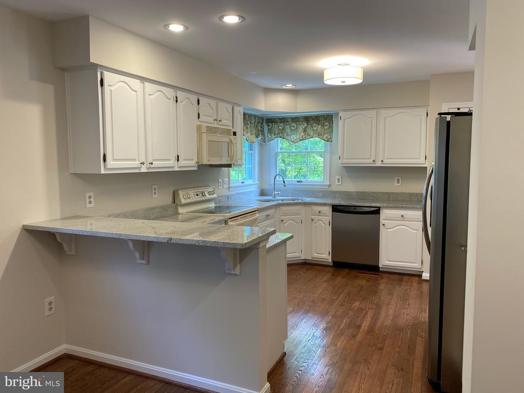 Kitchen with Brand New Granite countertops - 1401 HUNTING WOOD RD, ANNAPOLIS