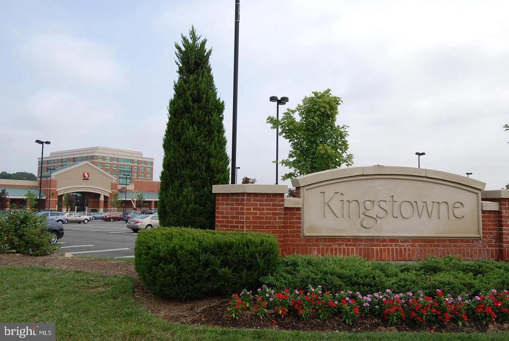 Kingstowne Town Center 2 mins. away! - 7459 CROSS GATE LN, ALEXANDRIA