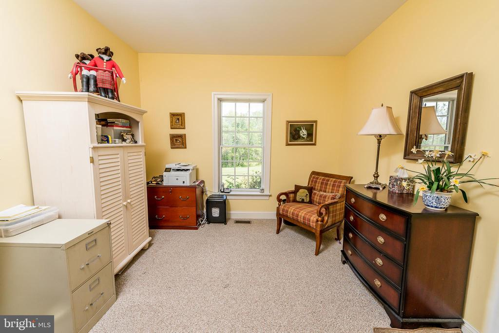 Office on main level - 1188 LOST RD, MARTINSBURG