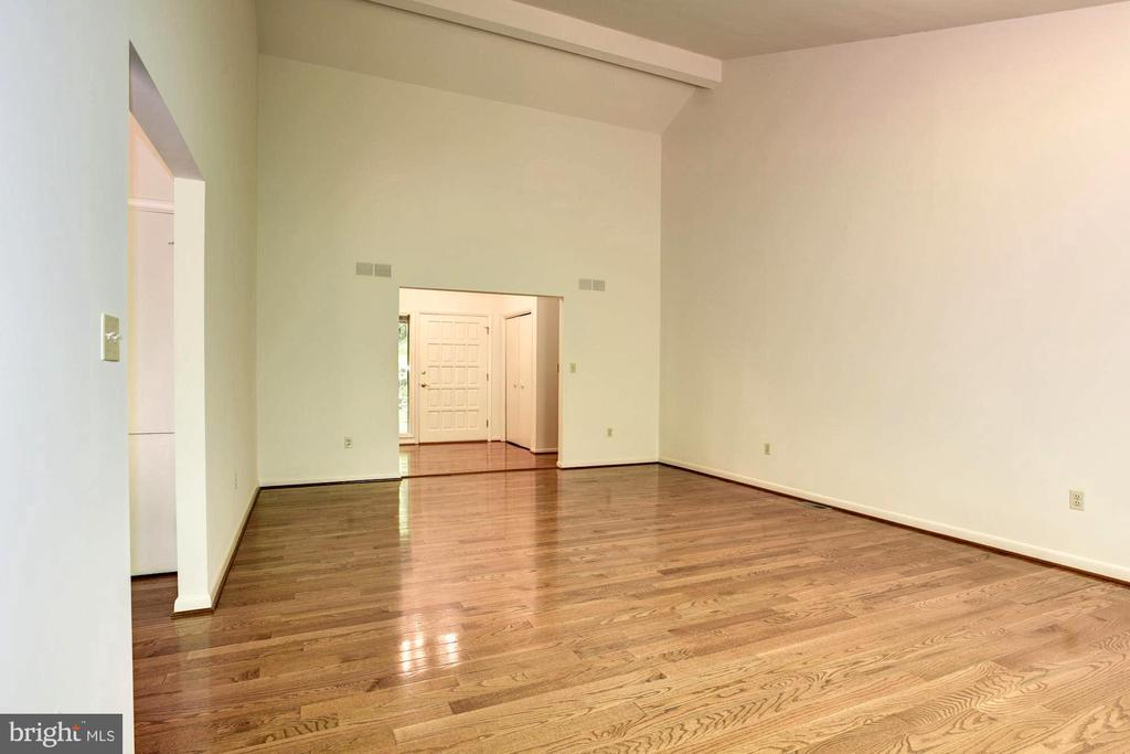 Neutral Paint Palette for Turnkey Occupancy! - 1693 ALICE CT, ANNAPOLIS