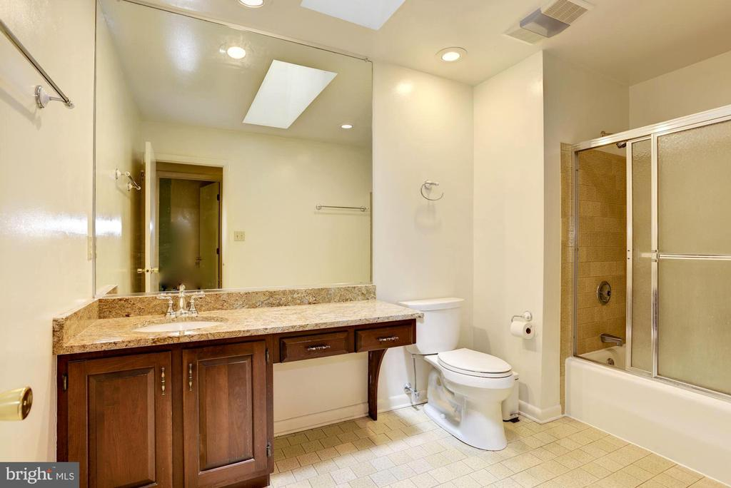 Attractively Appointed & Updated Hall Full Bath - 1693 ALICE CT, ANNAPOLIS